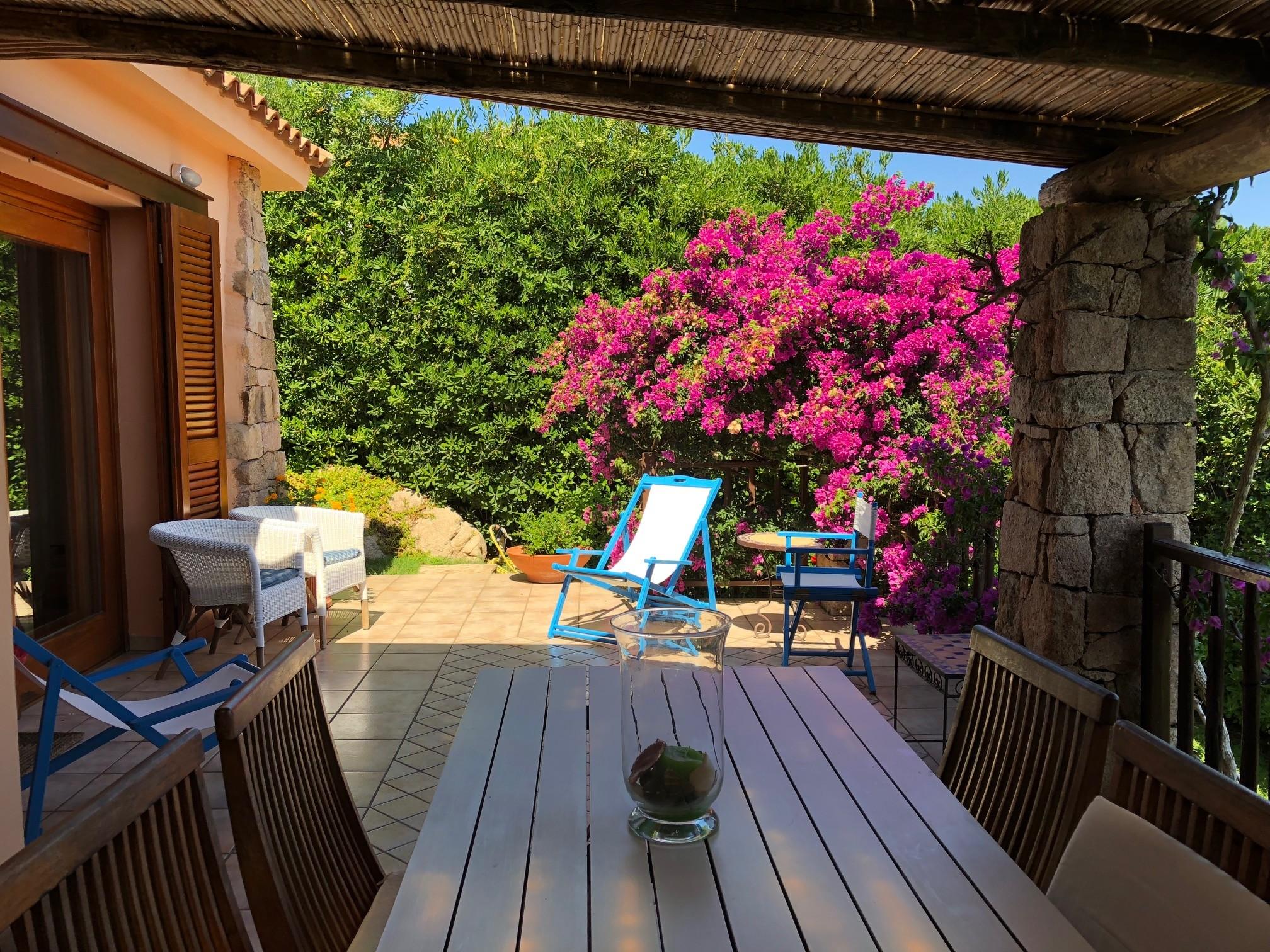 tavolo nella veranda