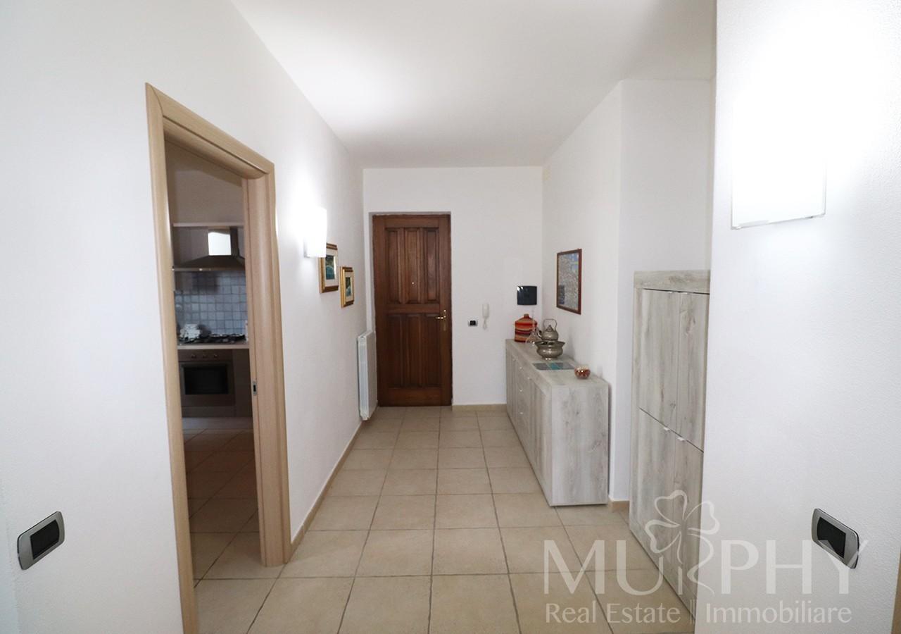 10-la-maddalena-vendita-immobiliare-murphy-pecorella2-ingresso