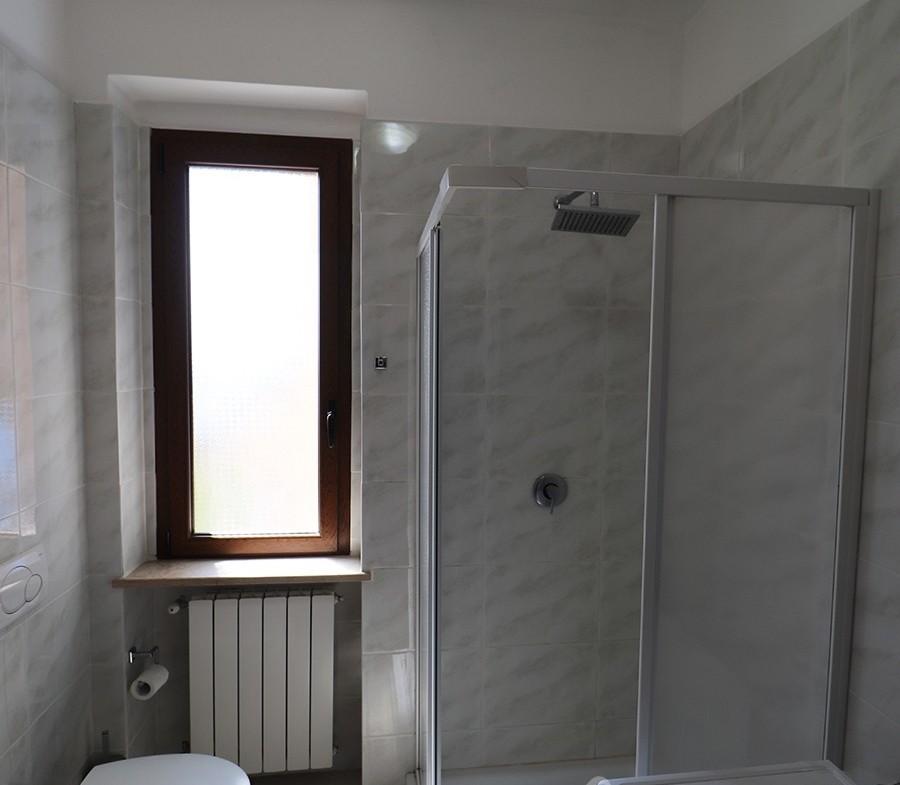 170-la-maddalena-vendita-immobiliare-murphy-pecorella2-bagno.