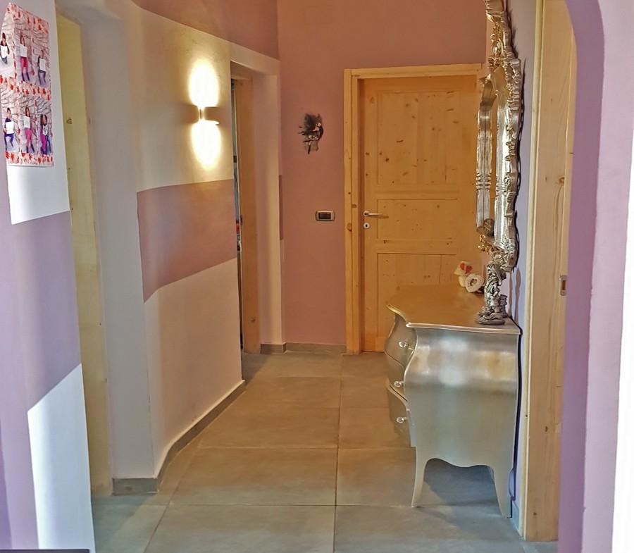 la-maddalena-vendita-immobiliare-murphy-villaggio-piras-corridoio