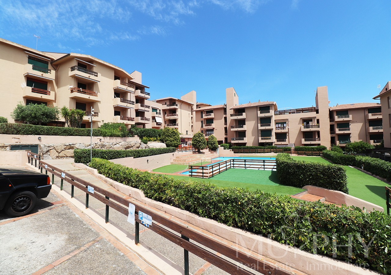 1-la-maddalena-vendita-immobiliare-murphy-residence-cala-maiore-ingresso-residence