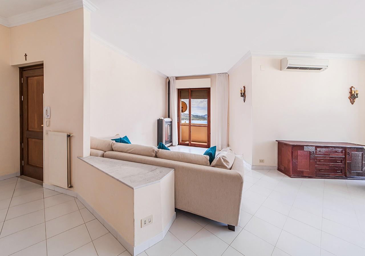 30-la-maddalena-affitto-immobiliare-residenza-sabatini-soggiorno