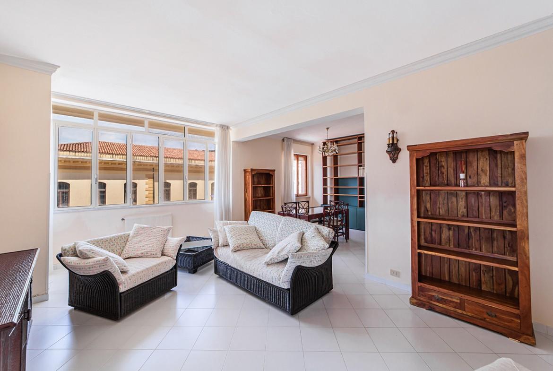 50-la-maddalena-affitto-immobiliare-residenza-sabatini-soggiorno