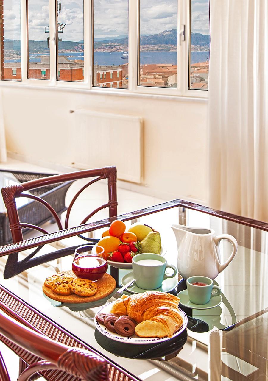 80-la-maddalena-affitto-immobiliare-residenza-sabatini-cucina