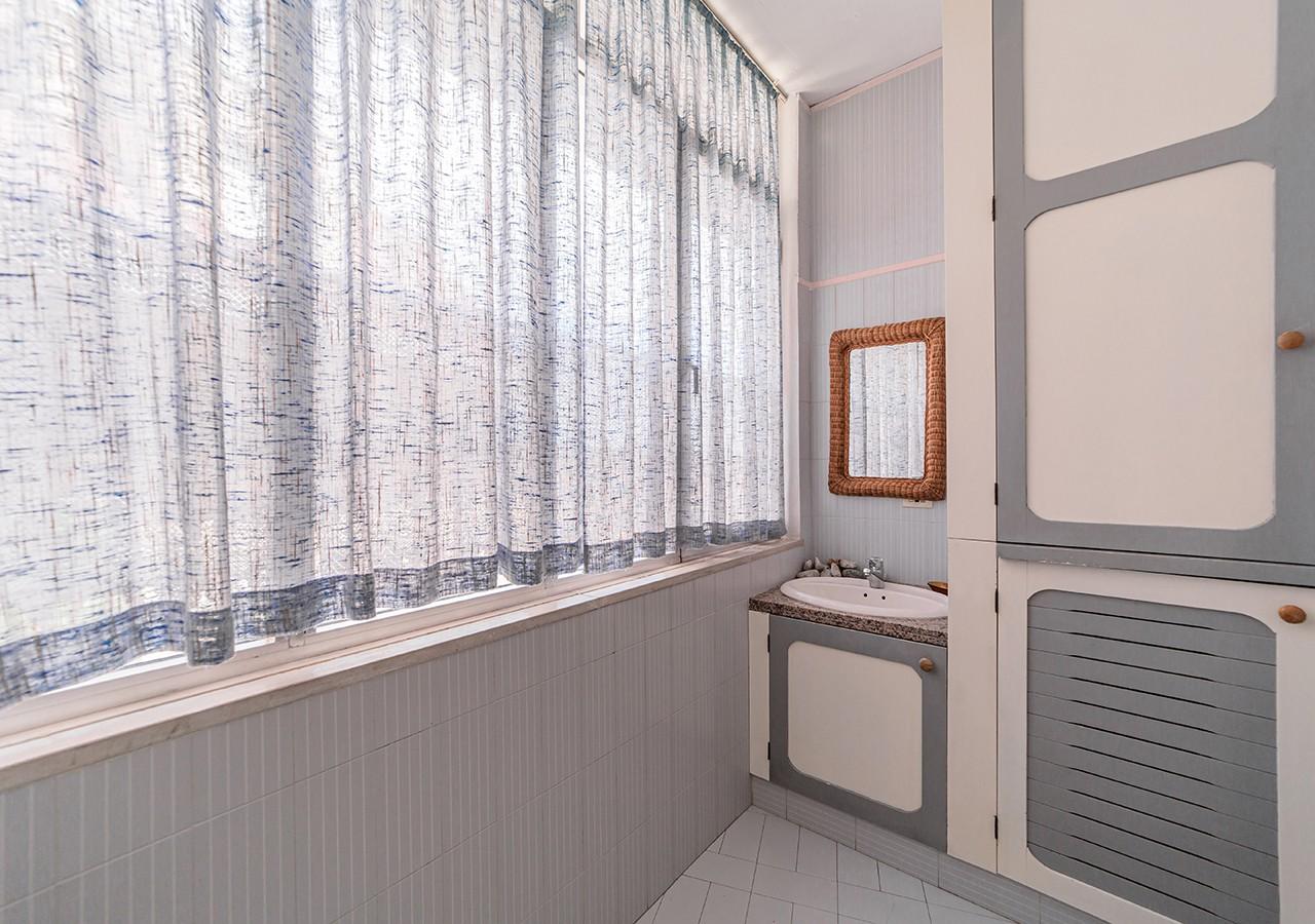 90-la-maddalena-affitto-immobiliare-residenza-sabatini-bagno
