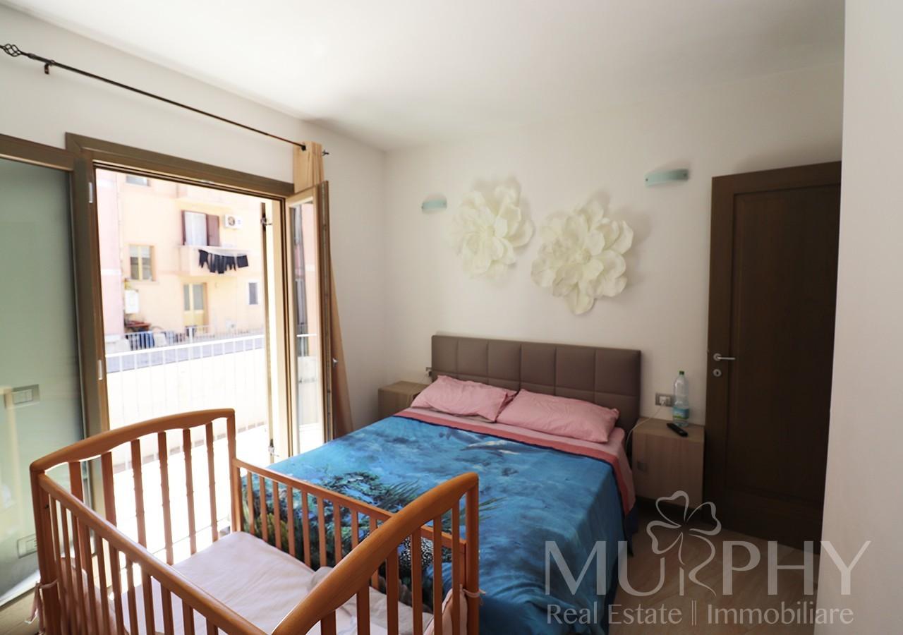 110-la-maddalena-vendita-immobiliare-murphy-via-terralugiana-camera-matrimoniale