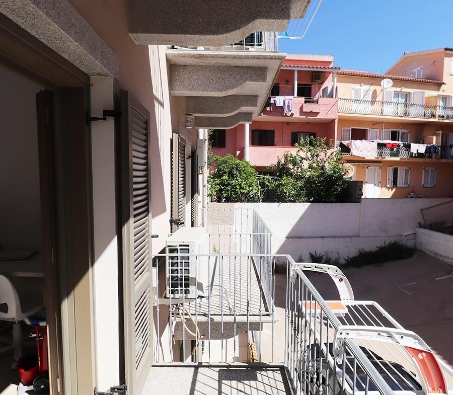 141-la-maddalena-vendita-immobiliare-murphy-via-terralugiana-balcone-camera-matrimoniale