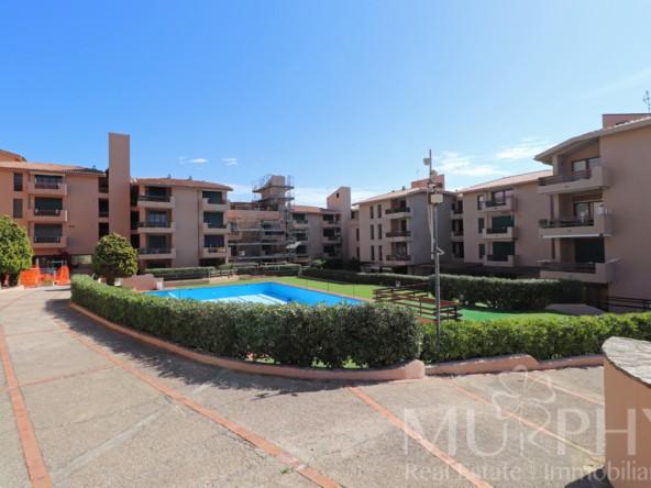 2-la-maddalena-vendita-immobiliare-murphy-residence-cala-maiore-ingresso-residence