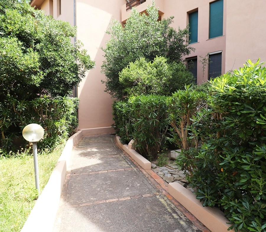 3-la-maddalena-vendita-immobiliare-murphy-residence-cala-maiore-ingresso