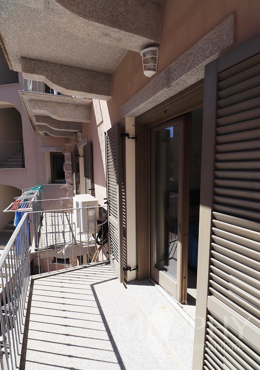 37-la-maddalena-vendita-immobiliare-murphy-via-terralugiana-balcone-soggiorno