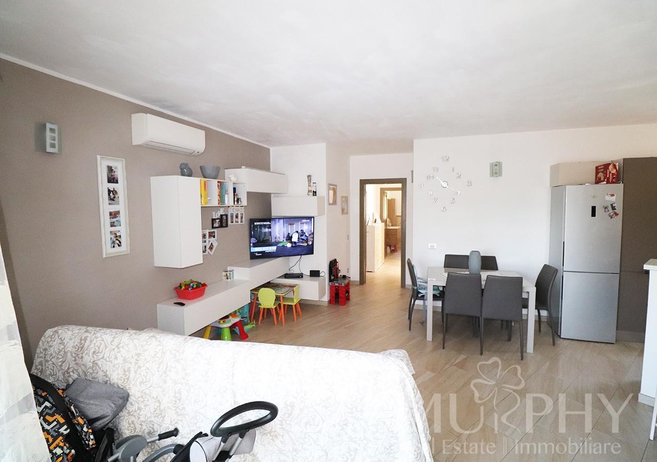 50-la-maddalena-vendita-immobiliare-murphy-via-terralugiana-soggiorno