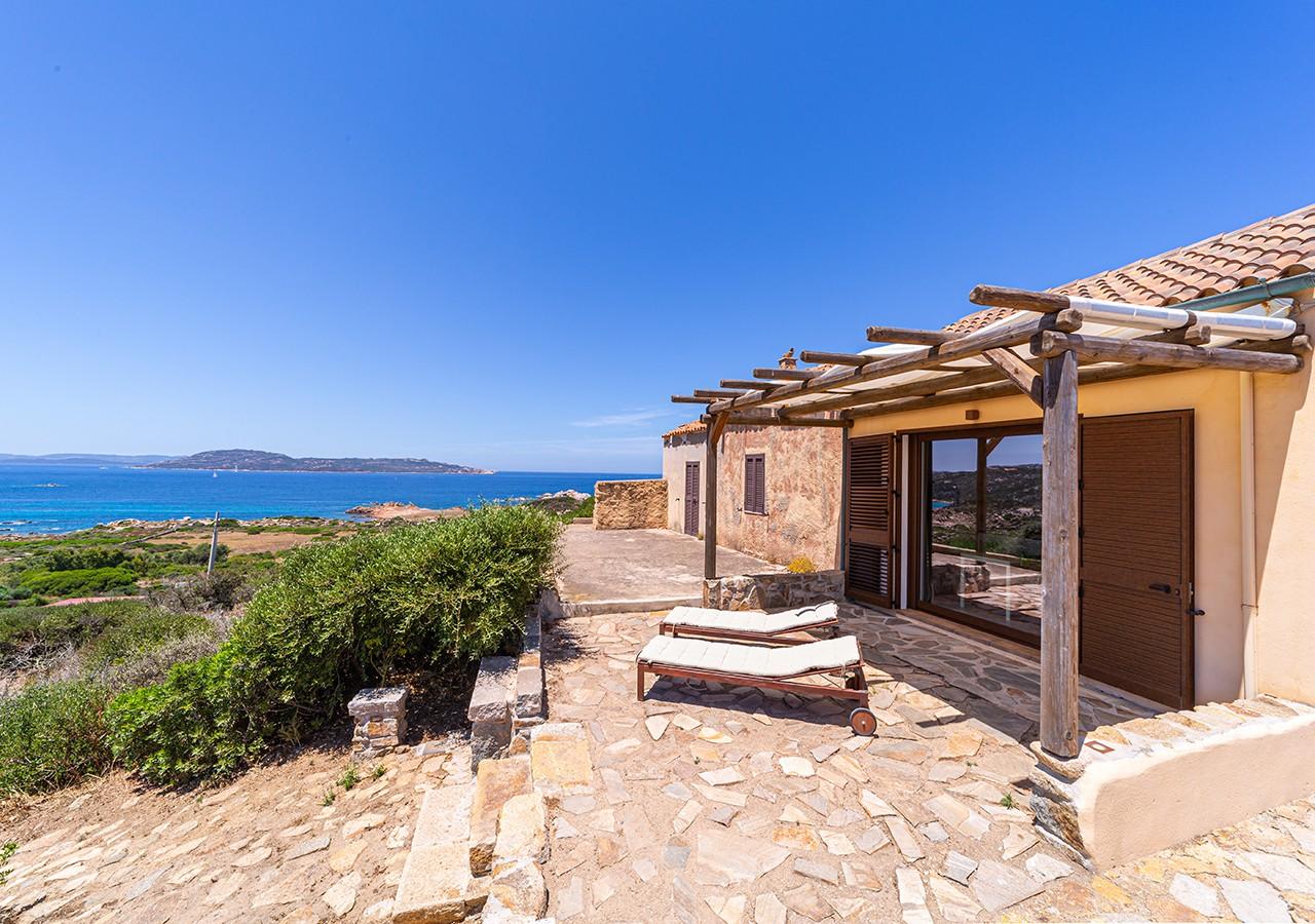 80-la-maddalena-affitto-immobiliare-murphy-windseahouse-veranda