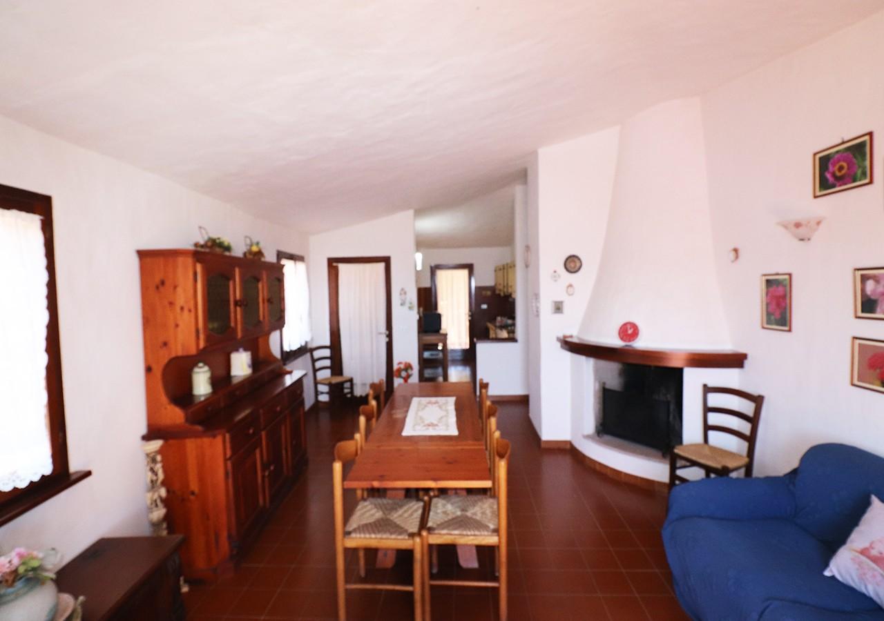 120-la-maddalena-affitto-immobiliare-murphy-residenza-vista-caprera-soggiorno