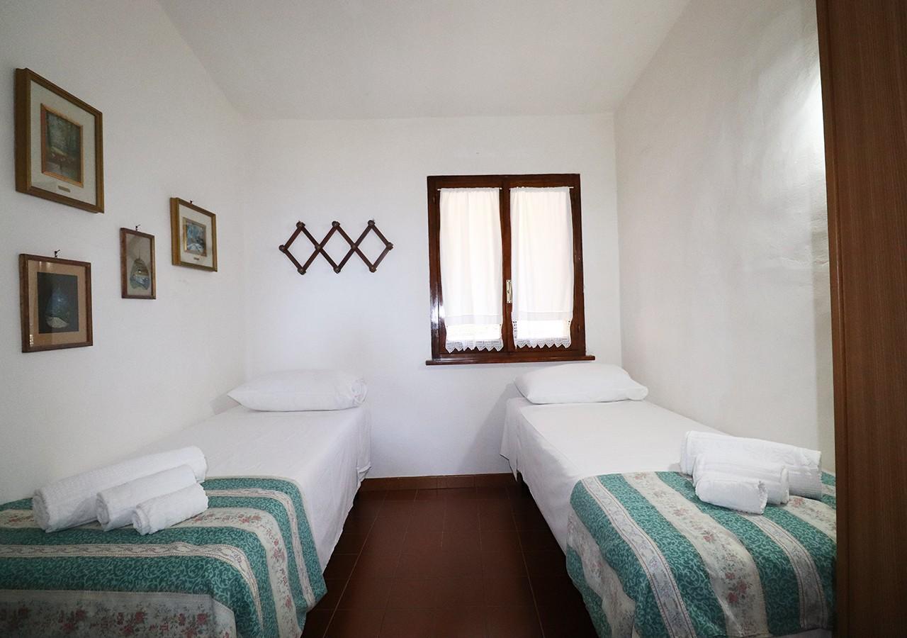 150-la-maddalena-affitto-immobiliare-murphy-residenza-vista-caprera-camera