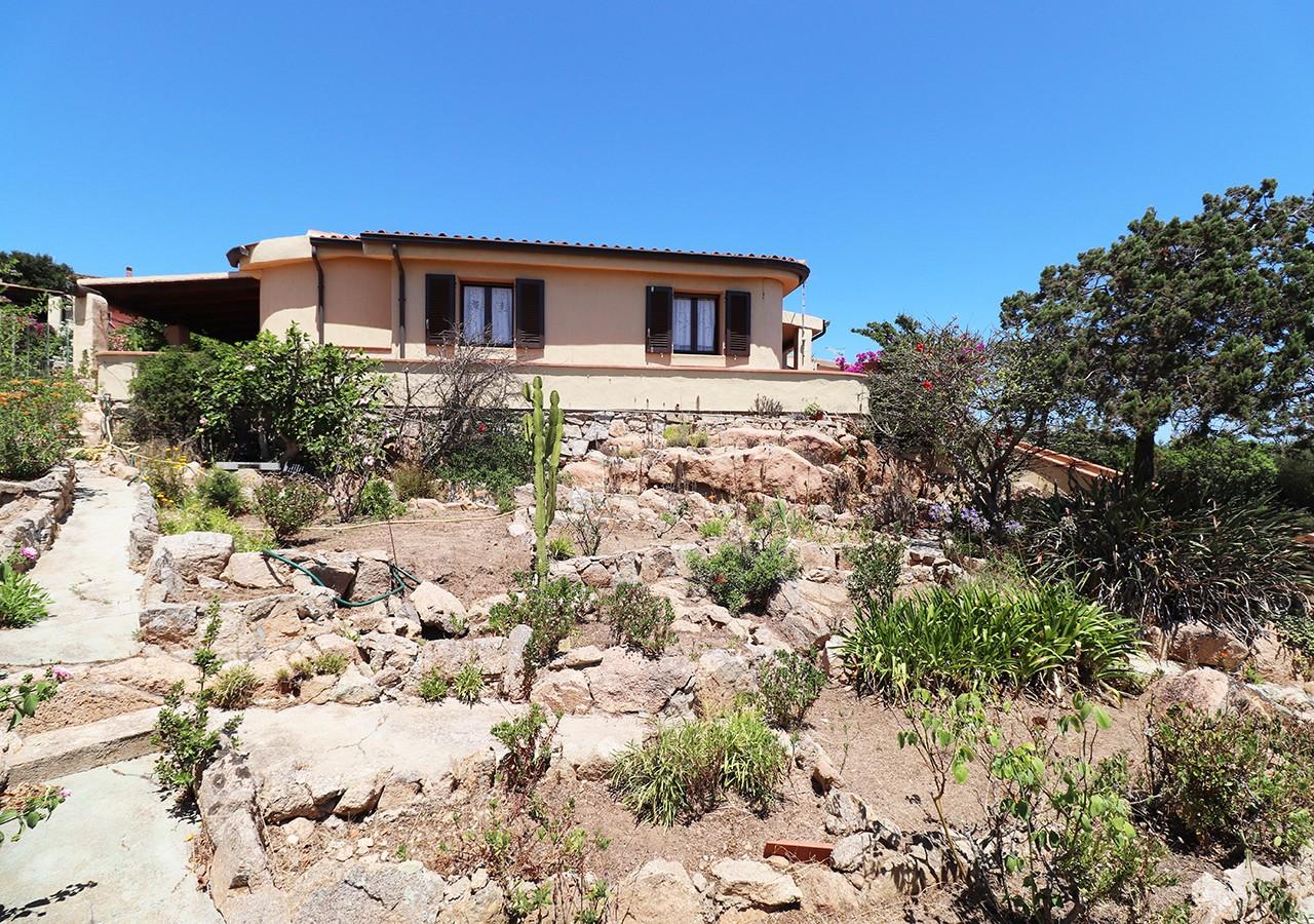 21-la-maddalena-affitto-immobiliare-murphy-residenza-vista-caprera-esterno