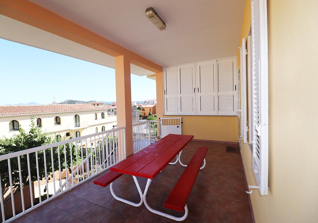 30-la-maddalena-affitto-immobiliare-murphy-residenza-cesaraccio-terrazza