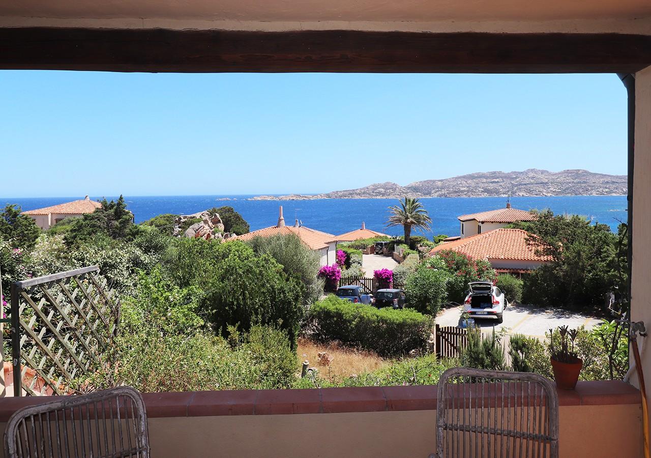 50-la-maddalena-affitto-immobiliare-murphy-residenza-vista-caprera-terrazza