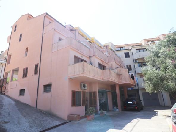 0-la-maddalena-vendita-immobiliare-murphy-residenza-lo-scoglio-facciata