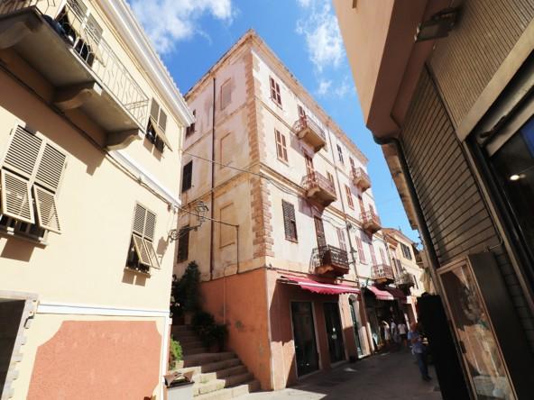 1-la-maddalena-vendita-immobiliare-murphy-palazzo-consigli-esterno